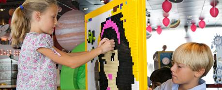 LEGO® VERTICAL PLAY WALL