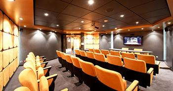 Magnifica Meeting Room